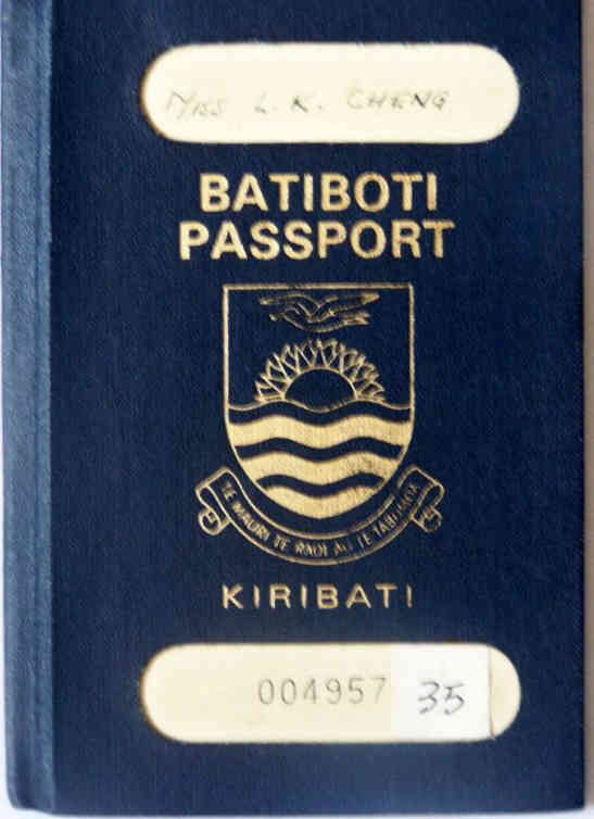 Kiribati passport
