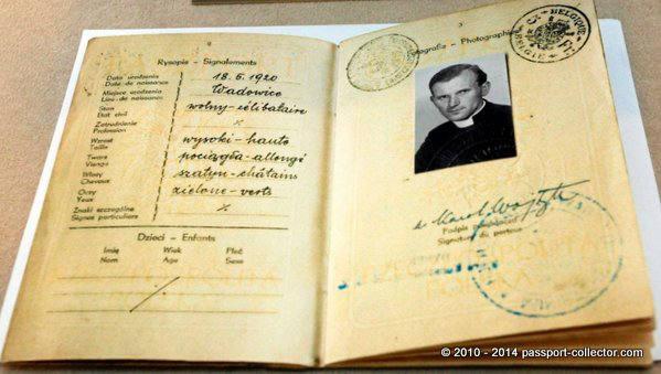 reisepass-des-priesters-karol-wojtyla-geboren-am-18-mai-1920-in-wadowice-polen-r100