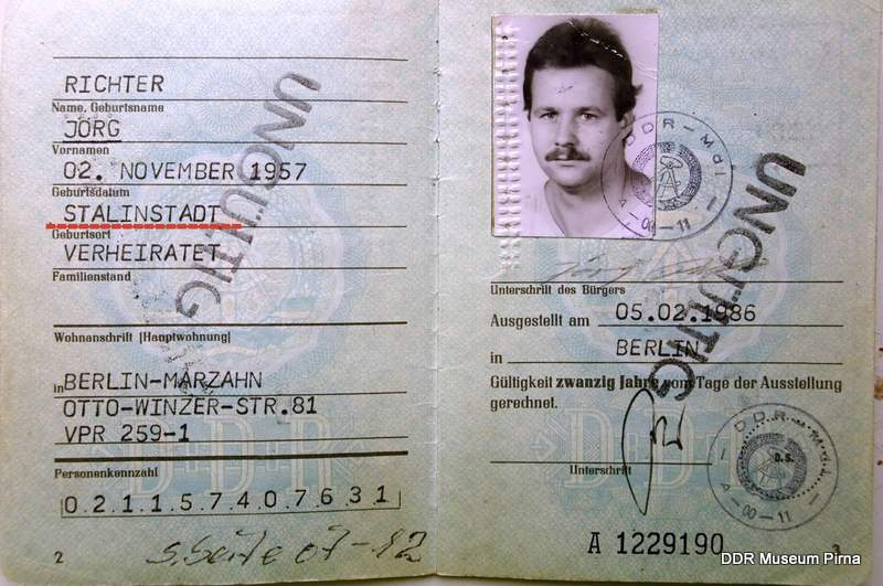 GDR ID born in Stalinstadt 1957