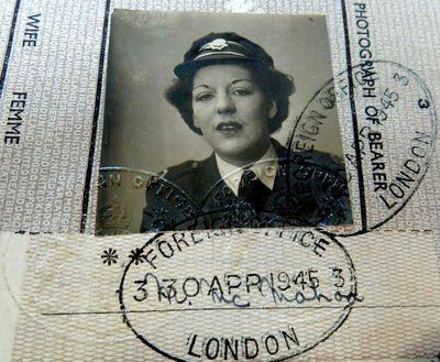 ID-Documents of a WWII Blitz Ambulance Driver