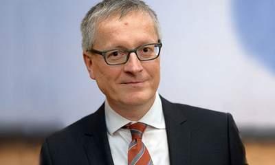 S. Steinlein – The last GDR ambassador in Paris